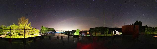 たからべ森の学校から見た星空の写真